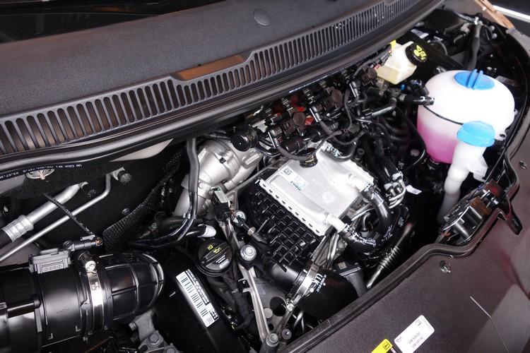 2.0L柴油引擎具備199ps最大馬力,輸出動能等級在同級中名列前茅。
