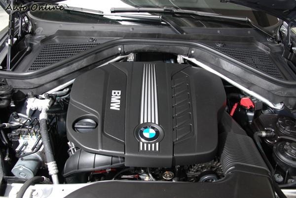 X5搭載一顆3.0升最大馬力245hp/4000rpm,最大扭力為540Nm/1750rpm。