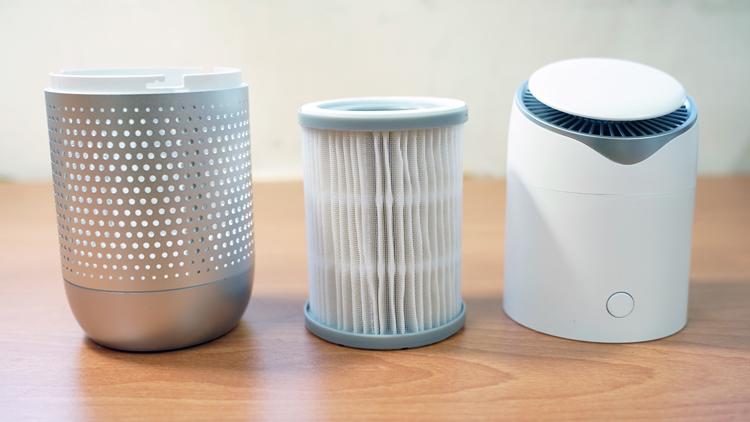 不只進氣面積廣,專用濾心也比市售常見的空氣清淨機大上不少。