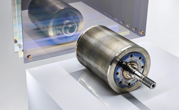 轉子內填滿了呈 V 形排列的永久磁鐵。