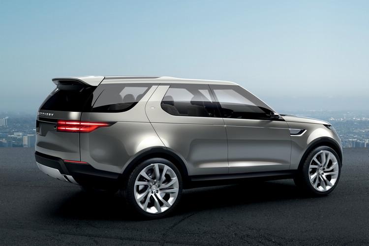 如同Ranger Rover的最新家族特徵尾燈造型,單片式尾門也是概念車受到關注的改變。