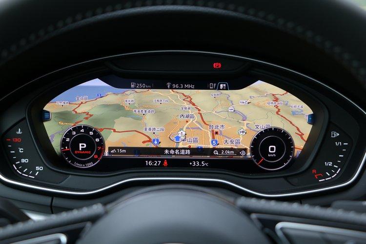 Audi全數位虛擬座艙的12.3吋顯示幕,是這一代A4駕駛介面最具特色的進化。