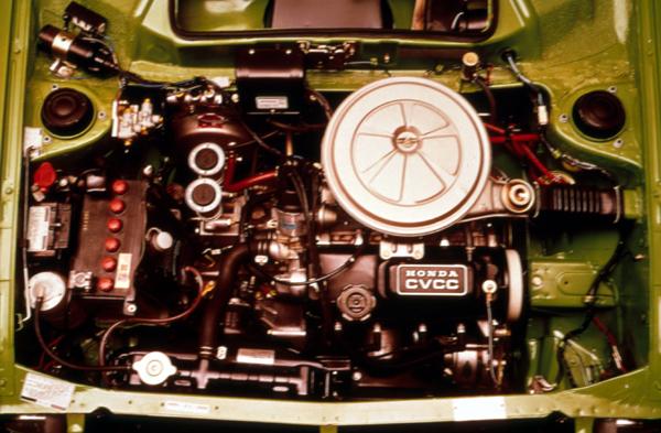 Civic所搭載的第一代CVCC引擎。
