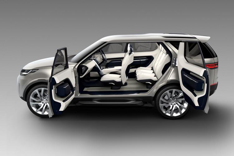 對開式車門雖然不一定保證可以沿用至量產車上,但卻是展現其寬敞空間概念的最佳方式。