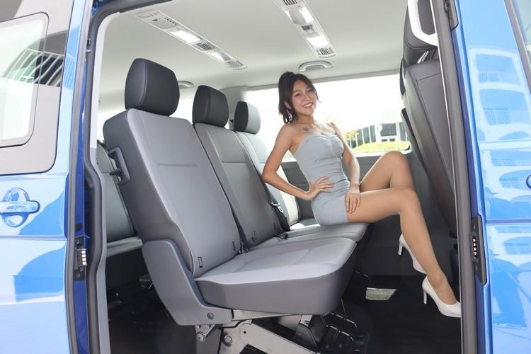 最重要的後排座椅空間非常寬敞,而且有多種座椅配置可以選擇。