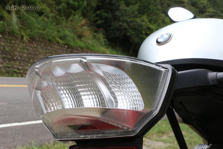 LED後尾燈組並不罕見,在新一代的GS車系也曾看見。