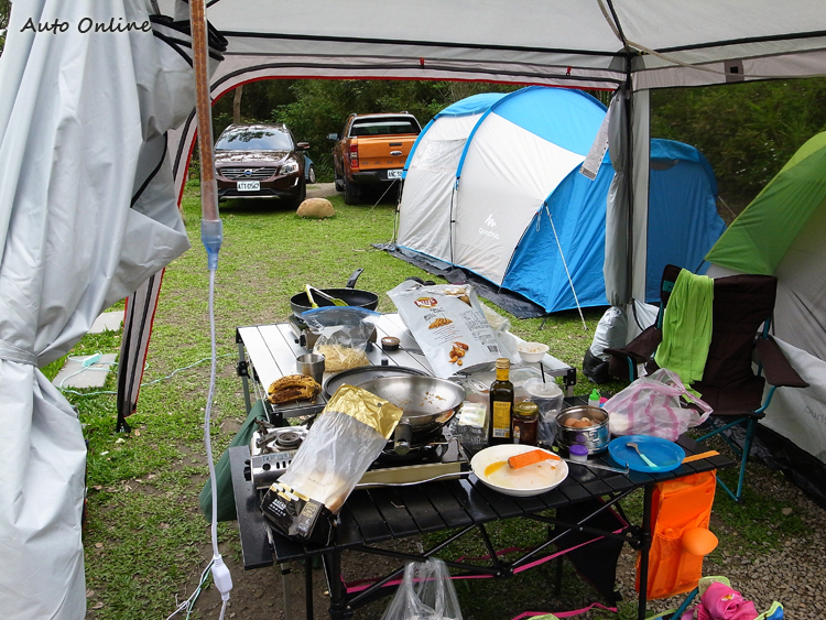 露營的配備繁瑣,考驗行李廂的裝載能力。