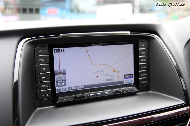 日本販售的Mazda6配置功能完善的衛星導航影音系統,不知道台灣販售板會配置哪款影音系統。