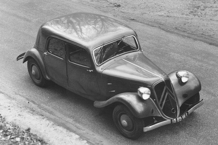 在1994-1957年生產間,共生產了620,455輛的11A。