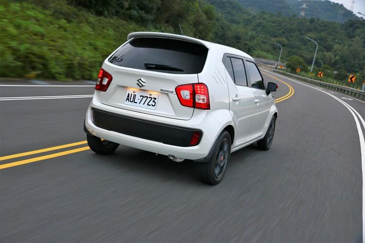 全車具備六具氣囊、ABS防鎖死煞車系統、ESP®電子穩定系統、HHC斜坡起步輔助系統、TPMS胎壓偵測器等,就算是小車也有高規格安全配備。