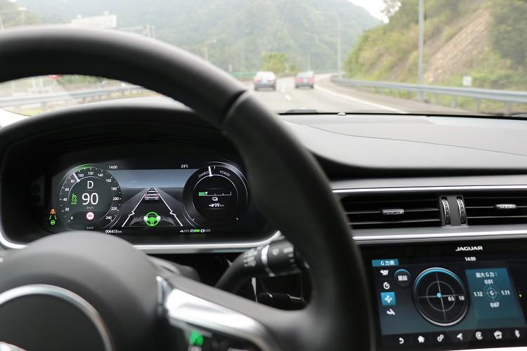 ACC主動式定速含車流排隊輔助功能(含轉向輔助系統),可減緩駕駛者疲勞感。