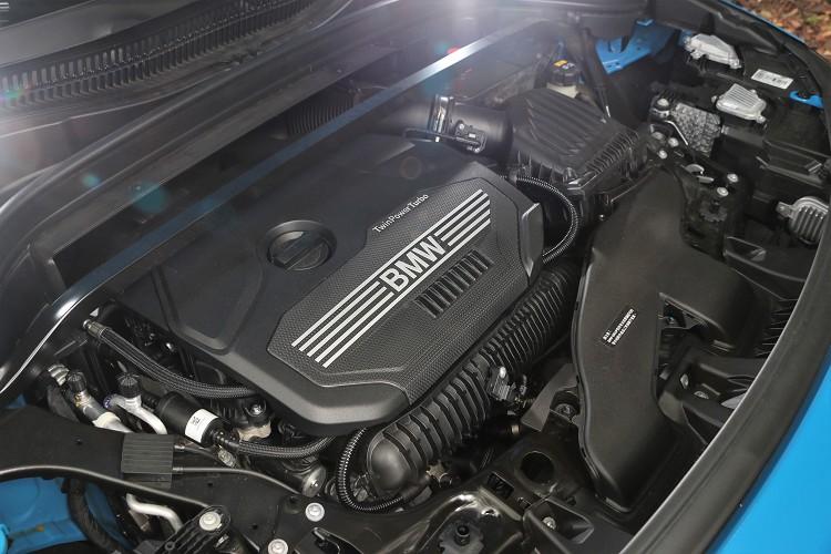 代號B48的2.0升四渦輪增壓引擎,帶來最大馬力192匹與28.6公斤米最大扭力。