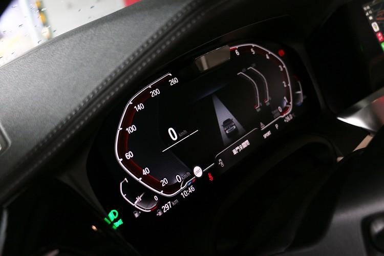 12.3吋虛擬儀表板辨識度高,BMW全車系都大同小異。
