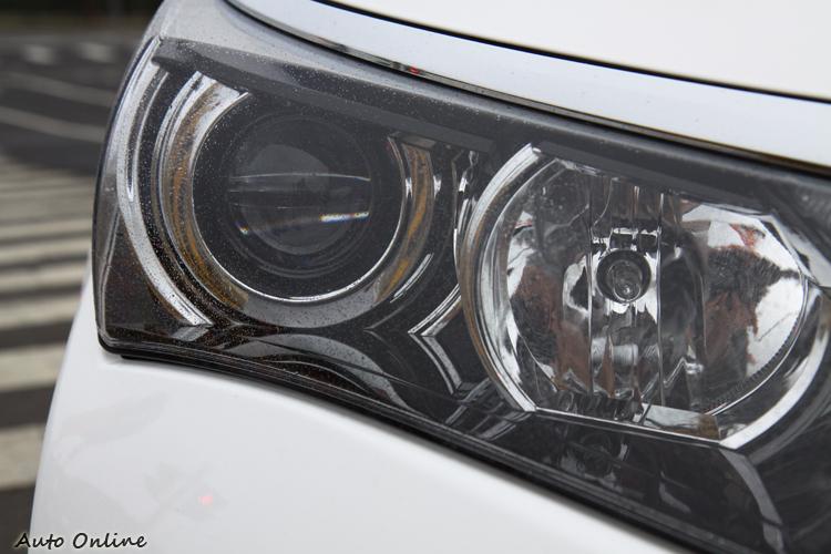 Altis近燈部分採用LED頭燈,在國產車級距中是相當高檔的配置。