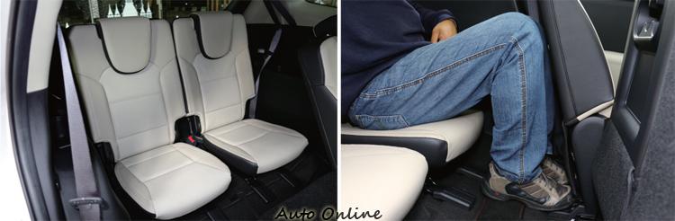 第三排的乘坐空間方面,Carens表現差了一截,滿載時乘客的腿部空間無法伸展,不適合成人長途乘坐。