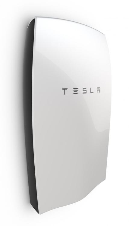 跨足能源產業,TESLA的家用儲能電池Powerwall。