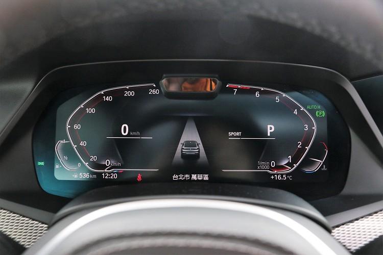 12.3吋的儀表板在不同行車模式下有多種樣貌。