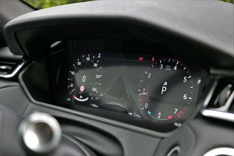 12.3吋全數位化HD虛擬儀表板,可依照使用者需求進行配置上變化。