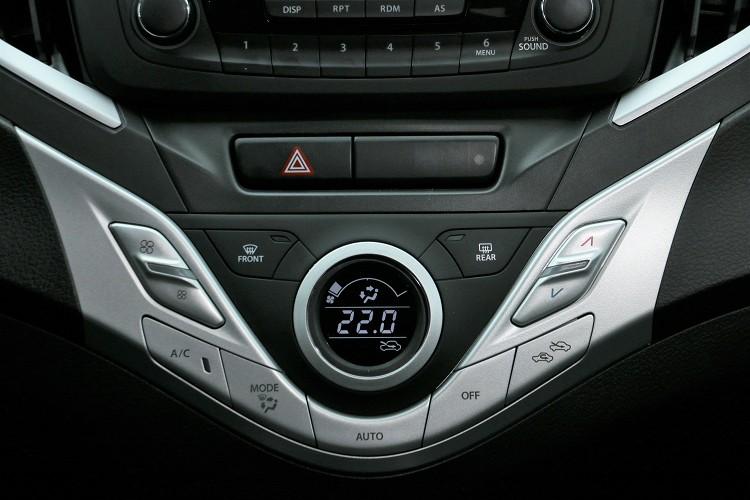 單區的恆溫空調,對於小車來說還算夠用,畢竟整體空間並不大。