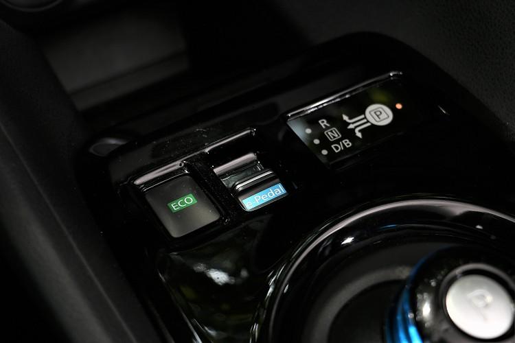 e-Pedal油門煞車整合控制系統給予反向強大阻力協助降低車速與回充電力,等同於車輛幫你踩了煞車,可到完全禁止狀態。