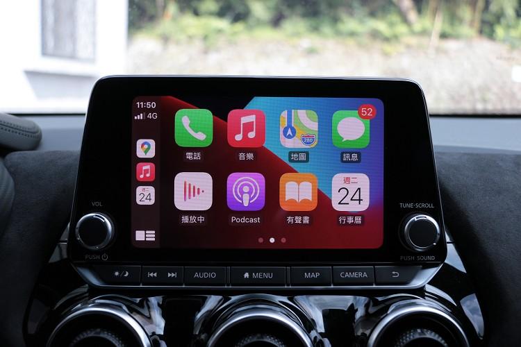 標準配備Applae CarPlay系統。