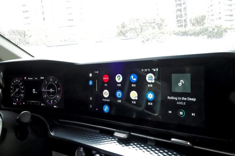 數位儀錶搭配液晶螢幕的組合,早已成為新世代豪華汽車的基本配備,Carnival即使身為平價品牌,改款後還是一樣比照辦理。