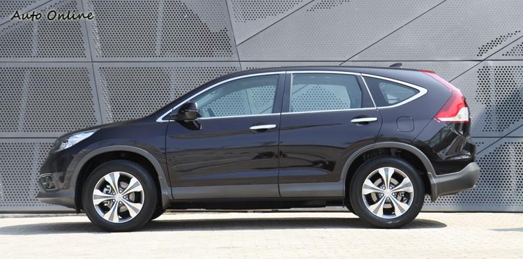車尾的大變化讓全車看起來更有廂型車的味道。