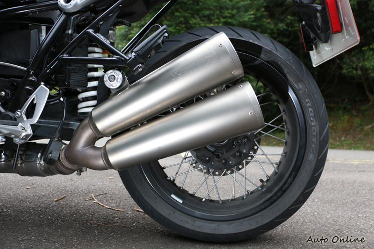 也是改裝聖品之一的蠍子管與BMW有長期合作,四輪兩輪都有推出對應的商品供人改裝。