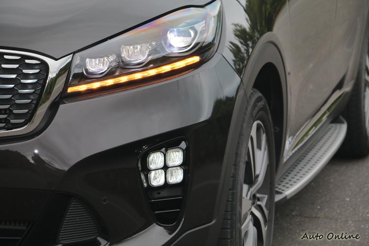 GT-Line車型標配LED頭燈、矩陣式霧燈與踏板等配備。