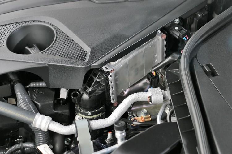 進氣冷卻器採用水冷式,能縮短管路路徑,得到輕快直接油門反應。