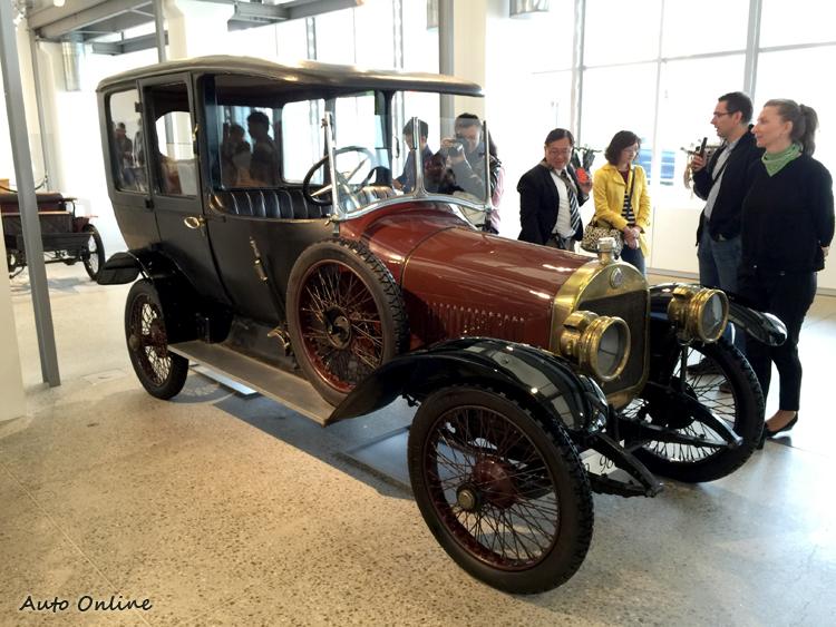 參觀過SKODA的博物館,才發現我們所了解的汽車世界太偏向自由世界,東歐雖然曾經貧窮,但其工業與藝術文化基礎非常扎實。