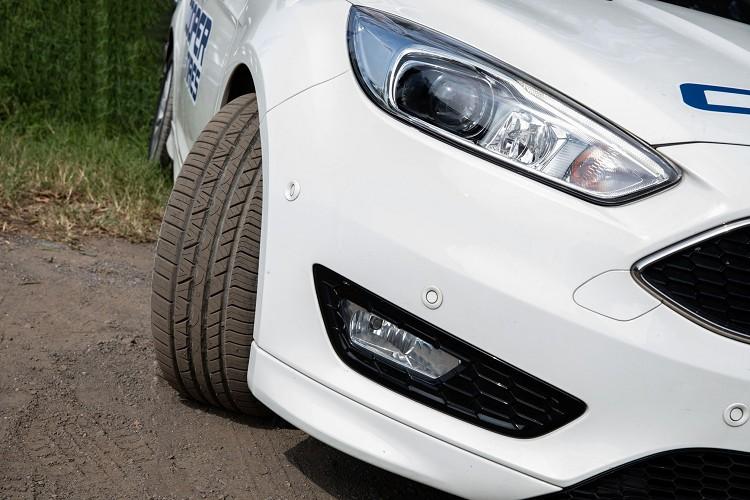 搭載固鉑輪胎的全新安全系統DAT動態盔甲科技,為您全天候的駕控提供卓越的乾濕地抓地力與彎道穩定性