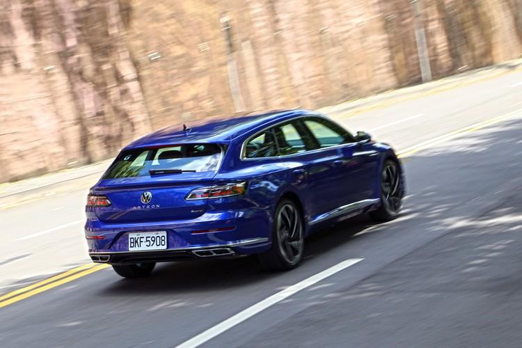 旅行車在路上能見度較低,獵跑車款更是稀有,開在路上很容易就能引起注意。