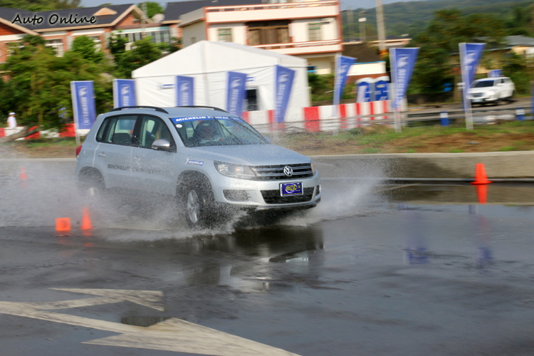 濕地的表現其實在Primacy SUV上市時就在特殊場地中體驗過。