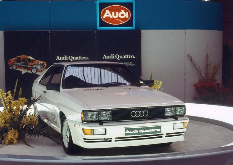Ur quattro在1980年的日內瓦車展上亮相,揭開quattro傳說的序幕,隔年帶領Audi成為第一個拿下WRC冠軍車廠頭銜的德國車廠,也讓四輪傳動技術為之驚艷。