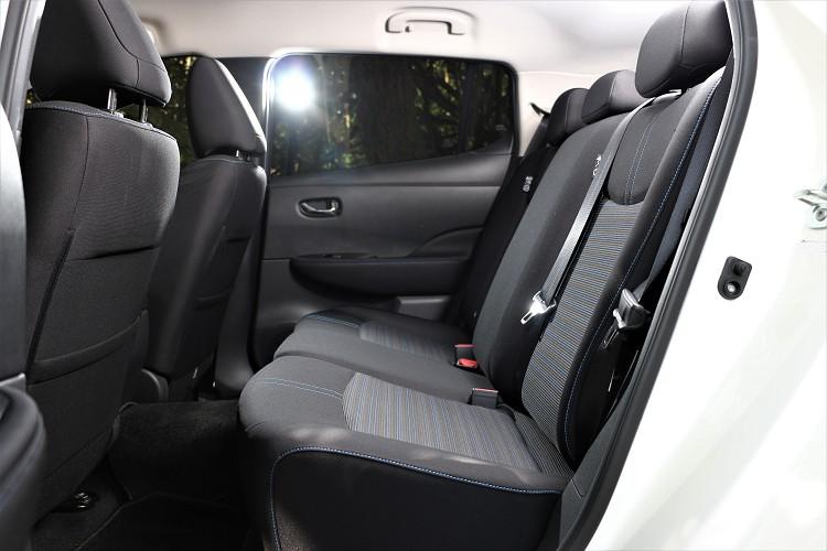 車室空間部分保有與Tiida相同的大空間,不管是前座還是後座都達到優異水準,頭部、膝部不會有壓迫感。