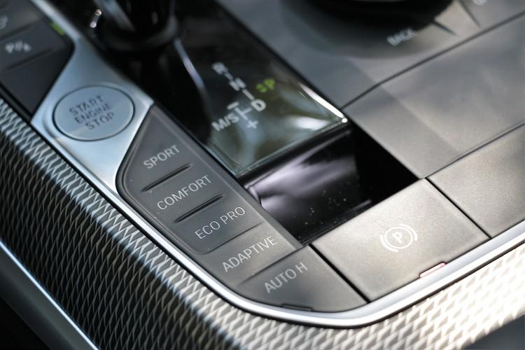 行車模式能依照喜好切換,有48V系統是無法關閉待速熄火功能。