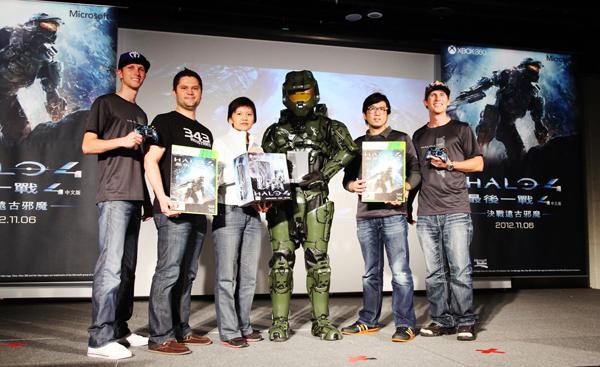 台灣微軟特別於《最後一戰 4》上市前,邀請「超級戰士任務」製作團隊及美國知名電競選手來台,一同迎接士官長重返榮耀戰場。