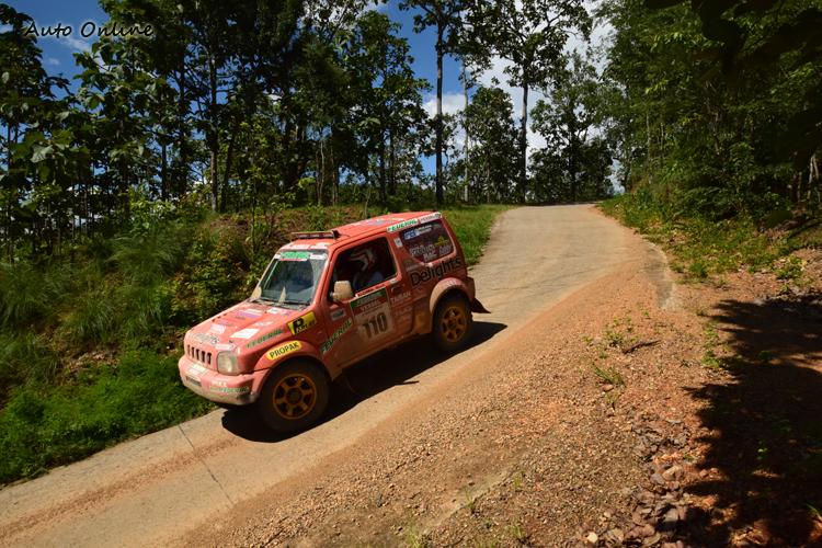 短小車身與軸距的Jimny,非常適合這次的叢林戰。