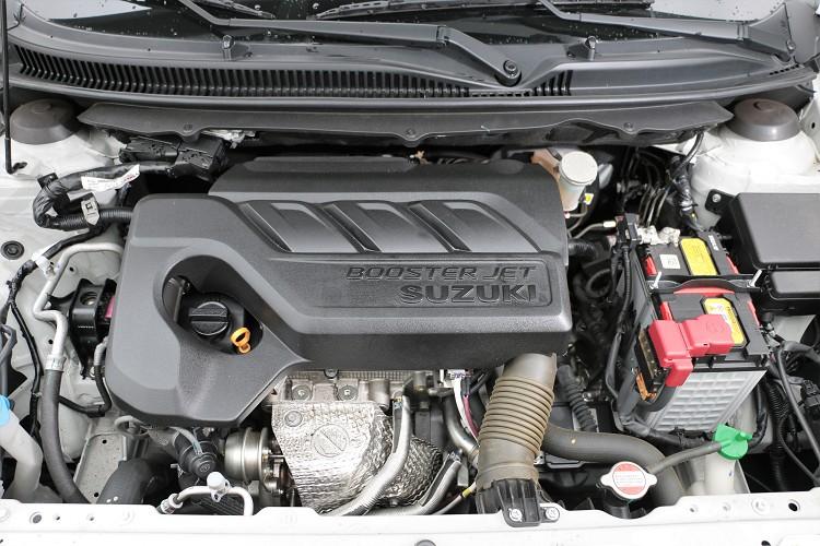 引進台灣的Baleno只有單一規格、單一動力,使用當前最紅的三缸1.0升缸內直噴渦輪增壓引擎。