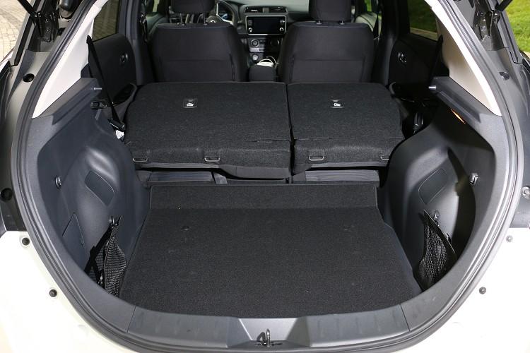 後座椅支援6/4分離傾倒可應付隨時的載物需求,後車廂標準達到435公升容積。