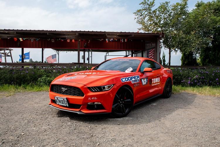 全新ZEON RS3-G1™是COOPERTIRES固鉑輪胎旗下最頂級、最先進的高性能運動型輪胎,這是一款專為高性能車輛駕控的車主所設計之產品。
