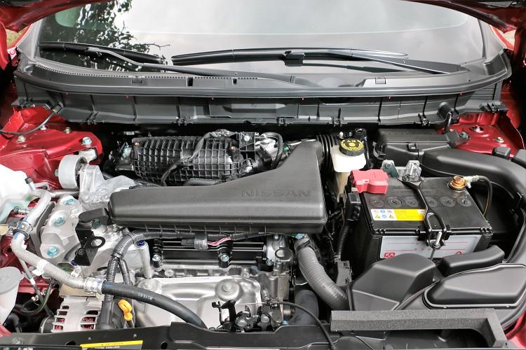 配置QR25DE直列四缸自然進氣引擎,科技面增加雙VTC連續可變汽門,兼顧各轉速區域表現。