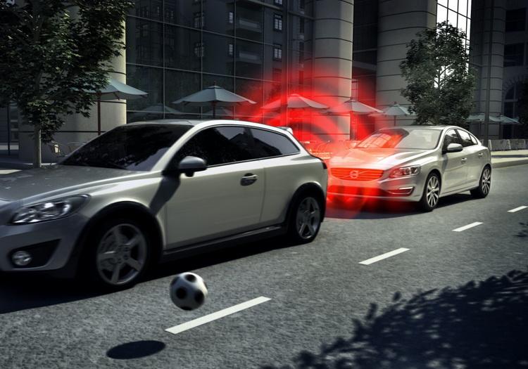 VOLVO 已經正式售出超過 100 萬輛配備 City Safety 自動煞車功能的車款