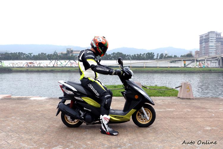 車身尺寸維持改款前的大小,不論男女都能有輕鬆騎乘。