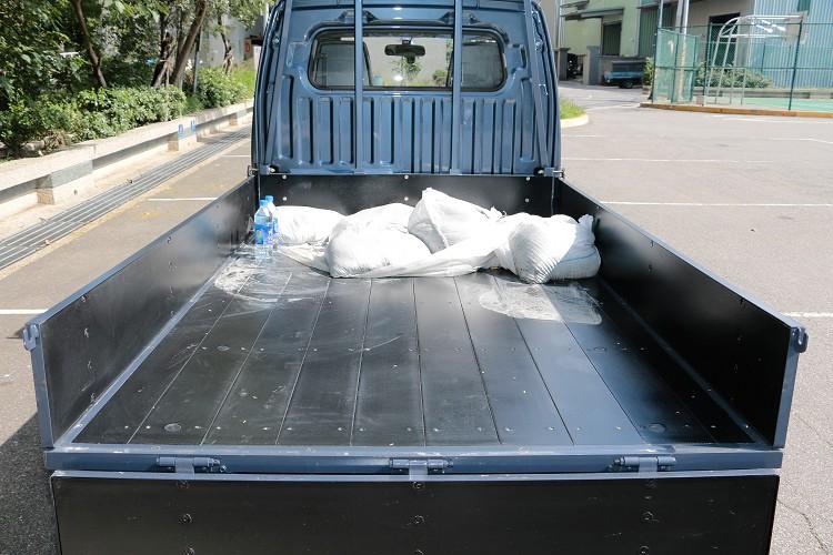 木牆版本後斗能載重高達757公斤貨品。