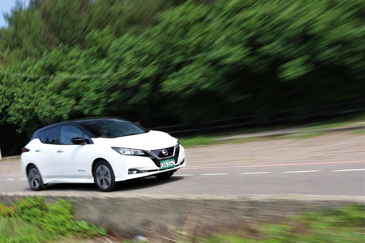 高速公路巡航可使用ICC智慧定速控制系統可降低電動馬達輸出功率,維持較高的續航力表現。