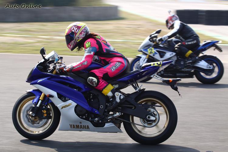 從速克達賽事起家的Vita也參加加賽課程,希望能再度提升駕駛技巧。