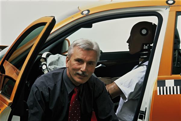 M-BENZ安全技術研發工程師Karl-Heinz Baumann,車廠暱稱他為「PRE-SAFE系統之父」。