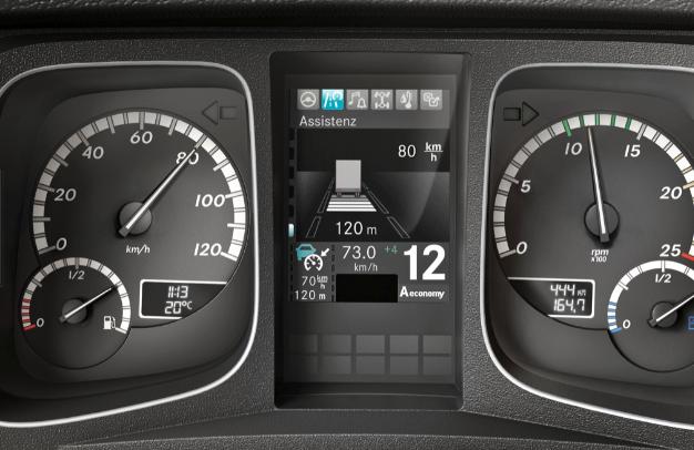Proximity Control Assist車距控制系統,定速巡航當偵測到障礙物,會自動限速並維持預設跟車距離,大幅降低駕駛身心負擔。
